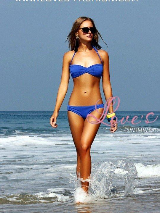 Модный синий купальник